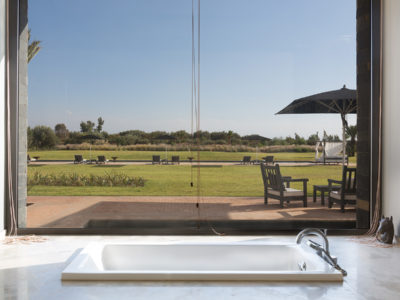 vue sur piscine privé suite