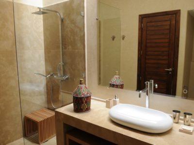 Villa moderne de charme à Marrakech salle de bain