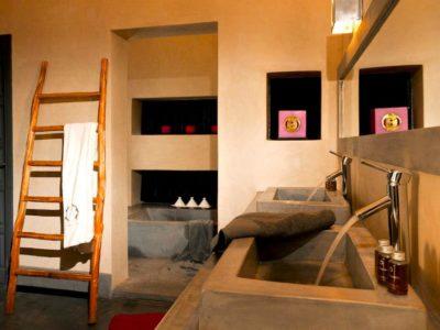 Villa de luxe pour vos vacances à Marrakech salle de bain