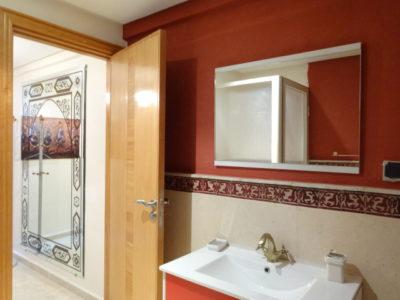 Beau duplex à louer à Marrakech salle de bain