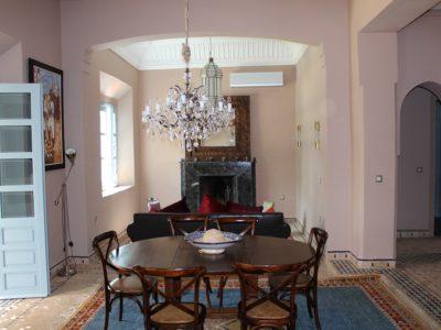 Location villa meublée au Golf de Marrakech salle à manger