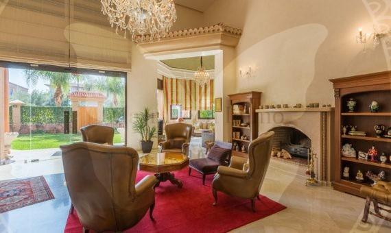 Magnifique Villa avec terrasse aménagée + piscine à Marrakech